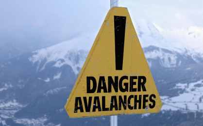 avalanche-sign-xlarge